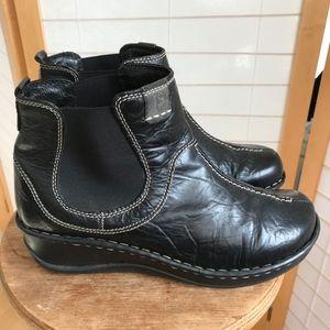 Siebel Comfort Shoe black leather bootie wedge 11